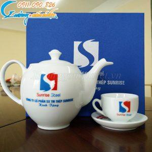 Bộ ấm trà BT03 được rất nhiều khách hàng lựa chọn để in ấn logo làm quà tặng