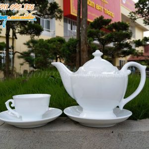 Bộ trà thần đèn trắng được rất nhiều khách hàng lựa chọn để in ấn logo làm quà tặng