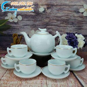 Bộ ấm trà trăng khuyết hoàng kim mang lại vẻ đẹp sang trọng
