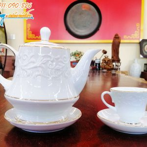 Bộ ấm trà có chất lượng cao, bề mặt nhẵn mịn, trơn bóng