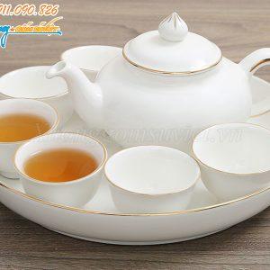 Bộ ấm trà khay tròn chỉ vàng có kiểu dáng độc đáo, mới lạ