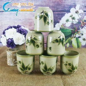 Cốc trà xanh hoa trúc vuốt tay
