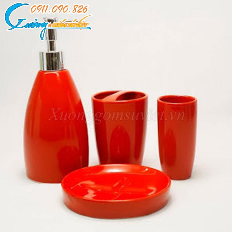 Bộ bình đựng dầu gội, sữa tắm trong phòng tắm khách sạn sẽ là giải pháp hoàn hảo cho các sản phẩm đựng trong túi nilon hay đồ nhựa