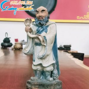 Tượng Thập Bát La Hán- La Hán Kháng Môn