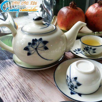 Bộ trà trắng vẽ sen xanh – BT18