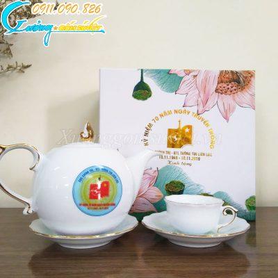 Chuyên cung cấp ấm chén trắng Bát Tràng in ấn logo theo yêu cầu