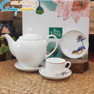 Bộ ấm trà trắng dáng Minh Long họa tiết hoa sen