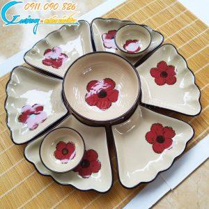 Bộ bát đĩa hoa mặt trời họa tiết hoa đỏ viền nâu