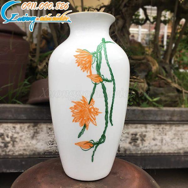Bình hoa dạ quỳnh kẻ vàng kim