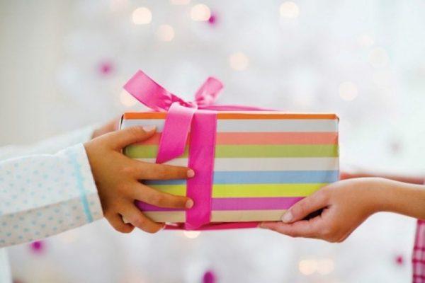 Những lưu ý khi lựa chọn quà tặng 8/3 cho nhân viên, đối tác